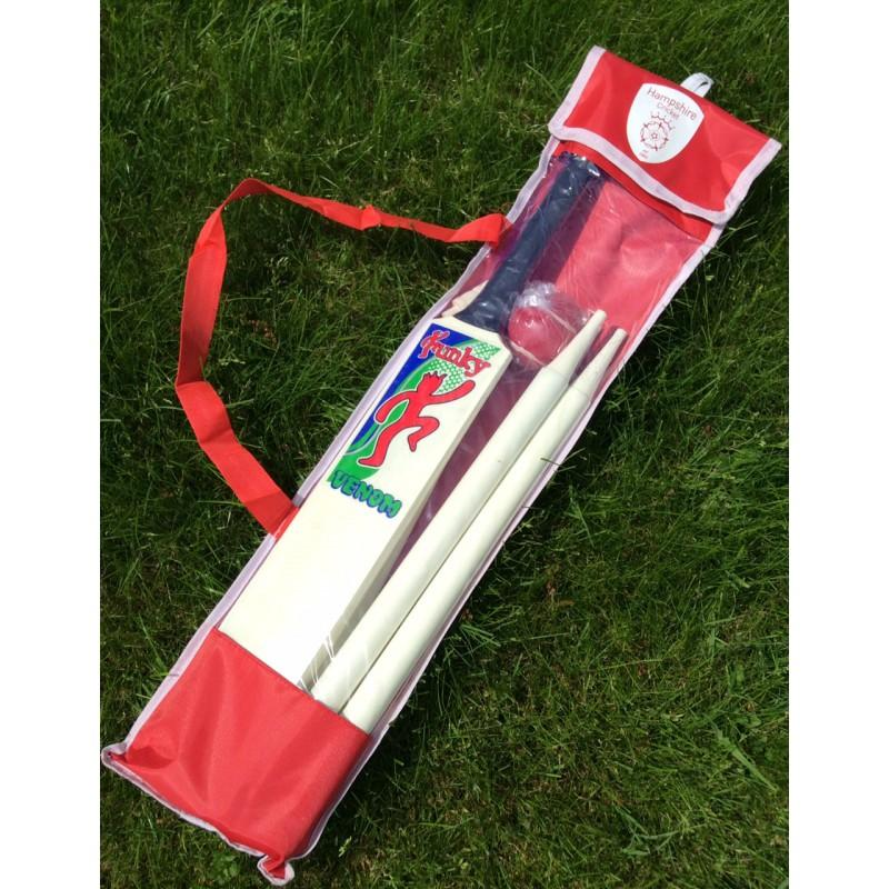Funky Hampshire Garden Cricket Set